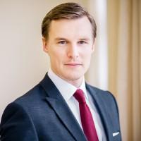 Dr. Justus Gaden