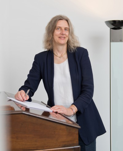 Dr. Monika Beckmann-Petey
